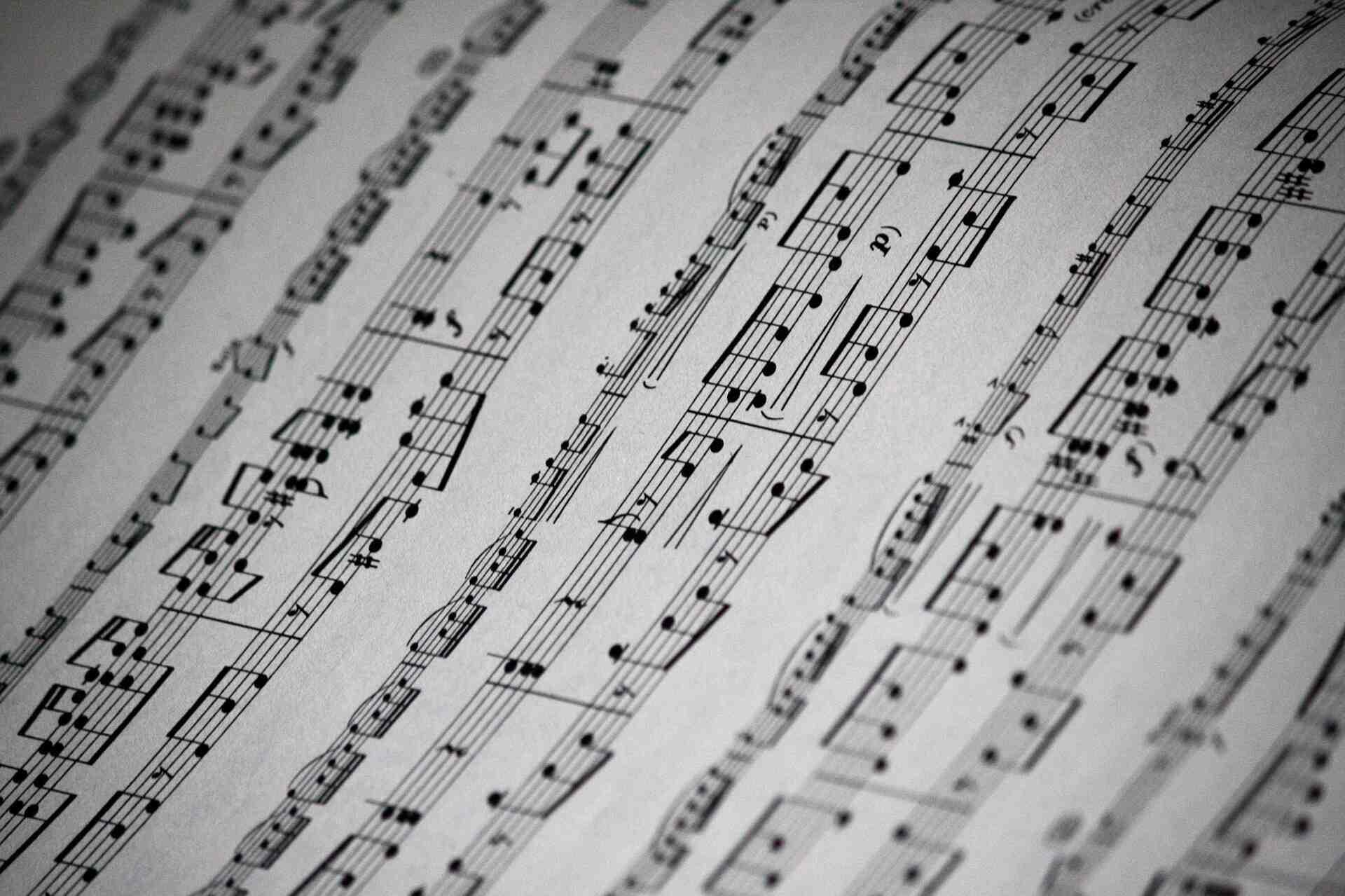 楽譜も読めるようになろう