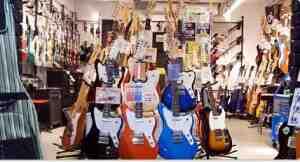 楽器店 イメージ