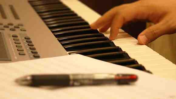譜面を読みながら演奏する10のコツ
