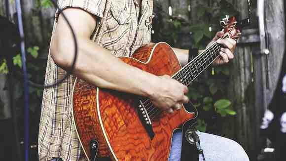 【ギターコード弾き入門】簡単省略コードでカントリーロードを弾いてみよう