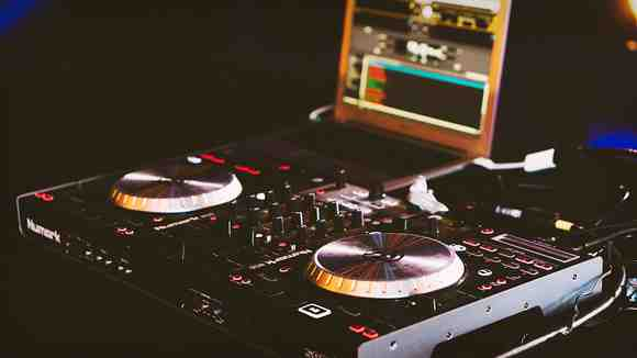 【DJ入門】クラブDJのリハーサルで確認するべきこと
