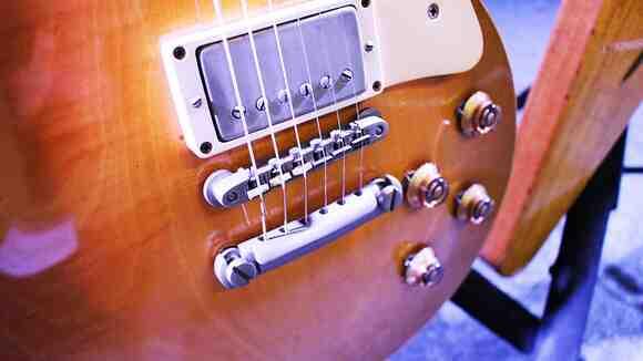 【よく分かる】エレキギターのオクターブチューニング方法