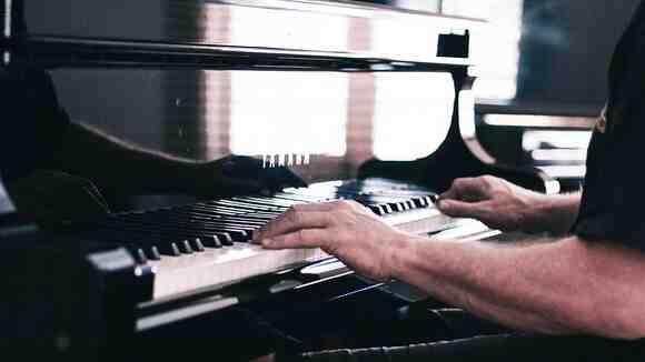 仕事と両立しながら趣味のピアノに割ける練習時間は?大人の習い事は続かない?