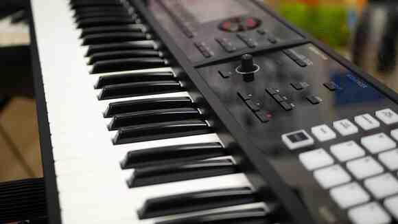 【知っておきたい】電子ピアノのメリットとデメリット