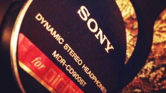 業界標準のSONY MDR-CD900STというヘッドホンを買ってみた