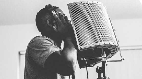 【ボーカル初心者のための】歌の録音をするメリット