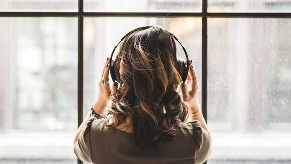 40代の女性におすすめの洋楽の片思いソング