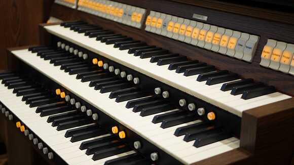 日本の音楽学校。短期大学一覧