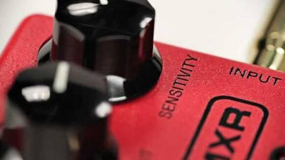 よくわかるギター用コンプレッサーエフェクターの使い方。