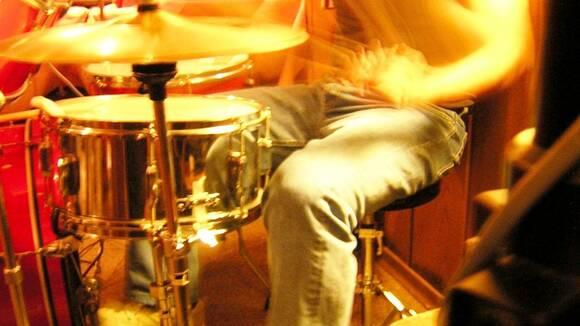 何度練習しても叩けない…ドラム初心者のための処方箋