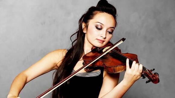 音楽教室の先生が教える!バイオリンの正しい構え方
