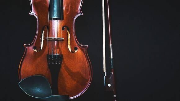音楽教室の先生がわかりやすく解説!バイオリンの弓の持ち方