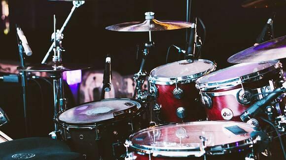 速いドラムを叩きたい!2ビートを極める3つのポイントと効果的なドラム練習