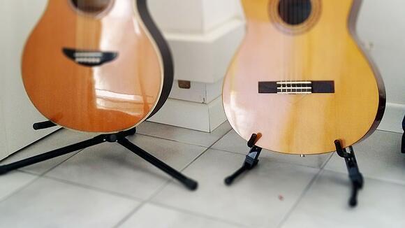 ギタースタンドの種類と特徴。意外と知らない基礎知識