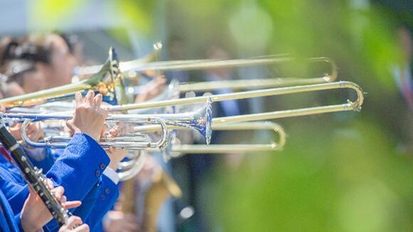 【トロンボーン初心者のための】楽器の構え方と音の出し方