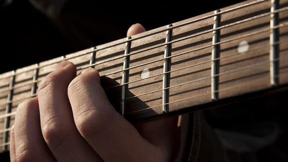 ギターを買ったらまずやるべきこと。末長く使うためのチェックポイント