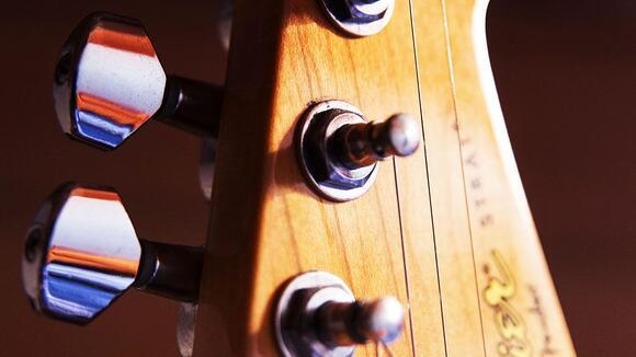 エレキギター弦比較レビュー ERNIE BALL編(5種)【ギタリスト大村孝佳による】