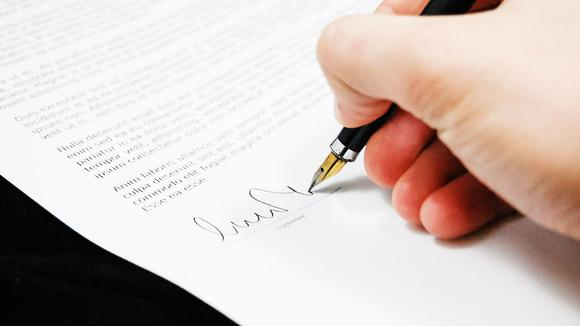 かっこいい英語サインの作り方とは?基本の3ステップ