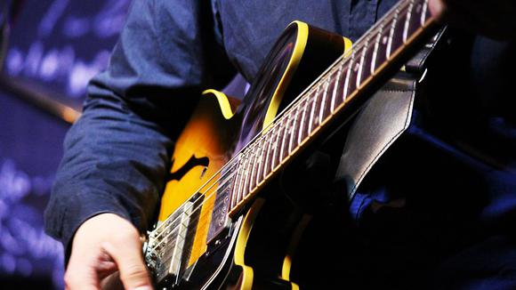 よく使われるジャズギターコードソロ。ツーファイブフレーズ3選