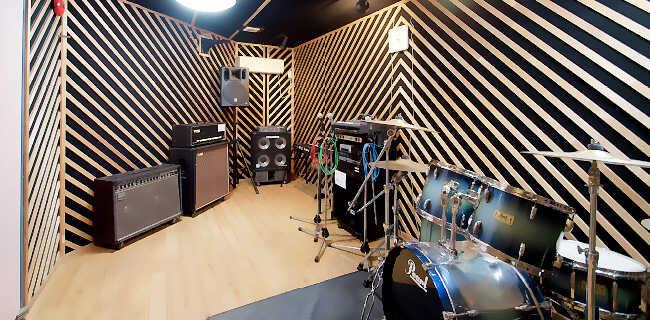 4スタジオ
